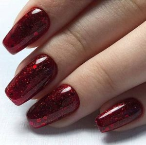 Unhas decoradas simples de vermelho