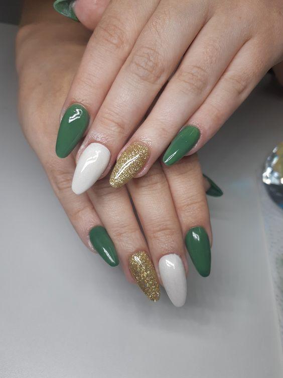 Unhas Decoradas Verde Com branco