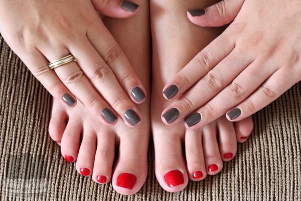 Unhas pé e mão Cores diferentes